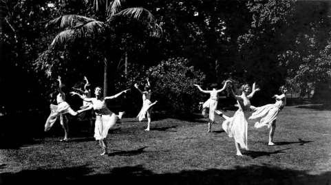 Ladies dancing and exercising in the Royal Botanic Gardens, circa 1920s | thecollectormm.com.au